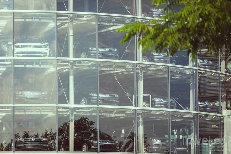 Gläserne Manufaktur - завод volkswagen в Дрездене / Германия