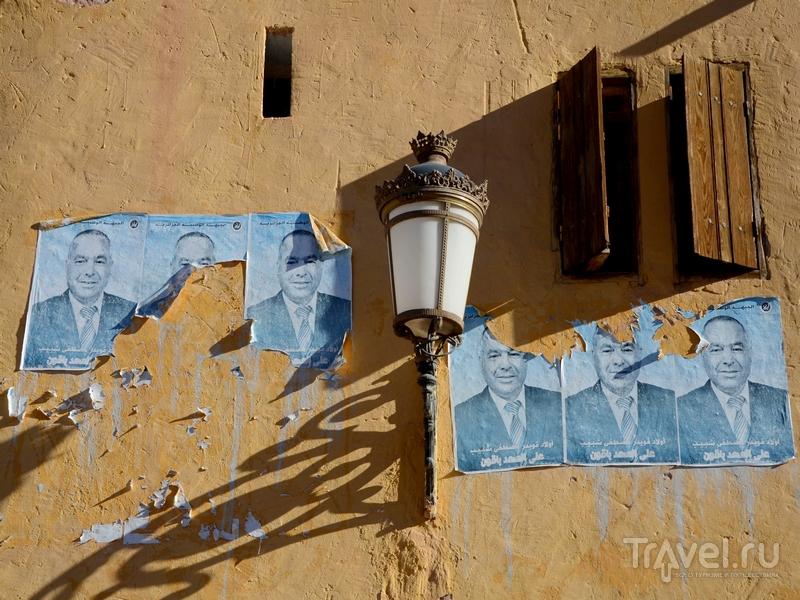Колониальные элементы – фонарь, Алжир / Фото из Алжира
