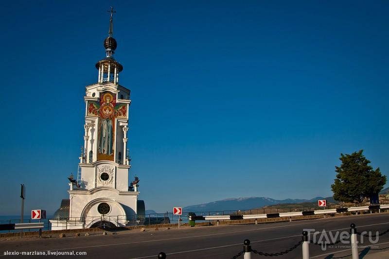 Храм-маяк Николая Чудотворца в селе Малореченское (Алуштинский район) / Фото с Украины