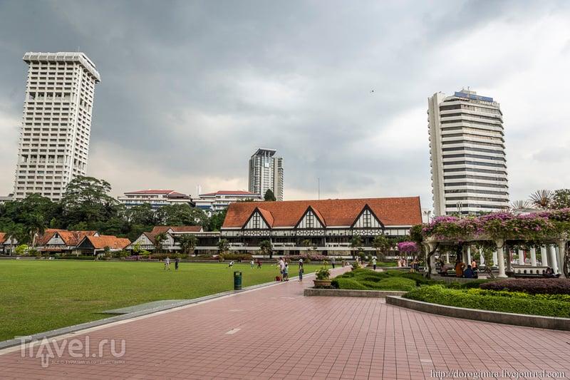 Здание Королевского клуба Селангор в Куала-Лумпуре / Фото из Малайзии