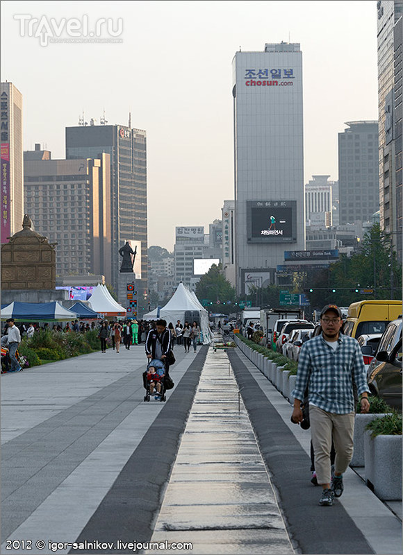 Площадь Кванхвамун в Сеуле, Южная Корея / Фото из Южной Кореи