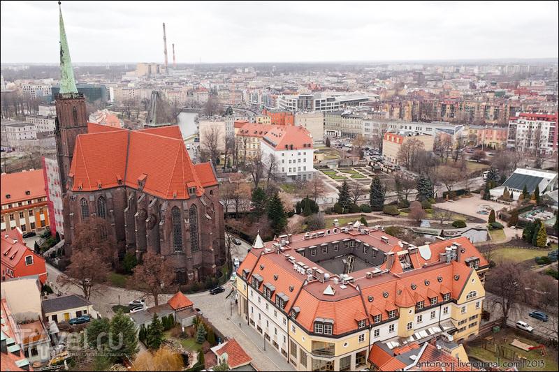 Костел Святого Креста и отель Иоана Павла II во Вроцлаве / Фото из Польши