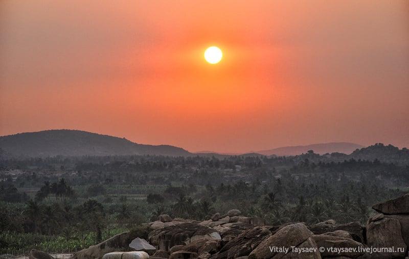 Хампи - затерянная столица империи Виджаянагаров / Фото из Индии