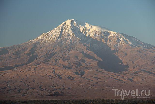 Между солнцем и землей - Хор Вирап / Армения