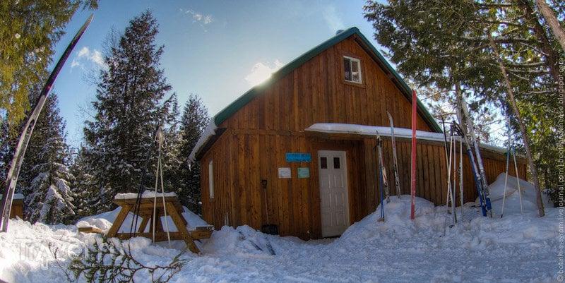 Дом в лесу Уаро, Квебек / Фото из Канады