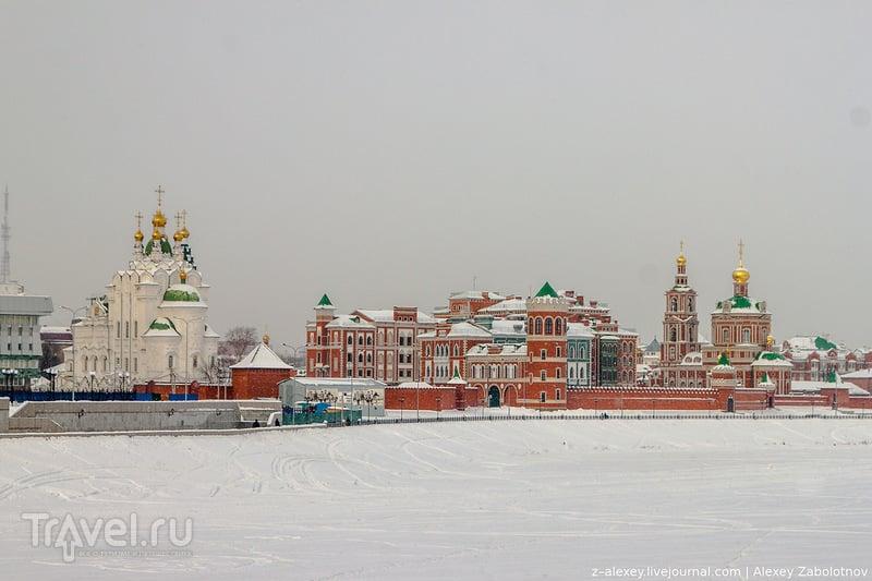 Церковь Пресвятой Троицы и собор Воскресения Христова в Йошкар-Оле / Фото из России