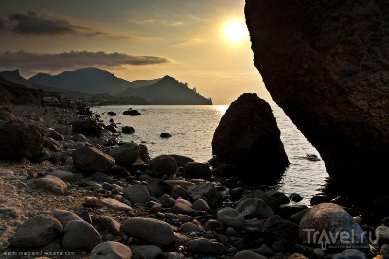 Камень Арбуз на пути в Лисью бухту / Фото с Украины