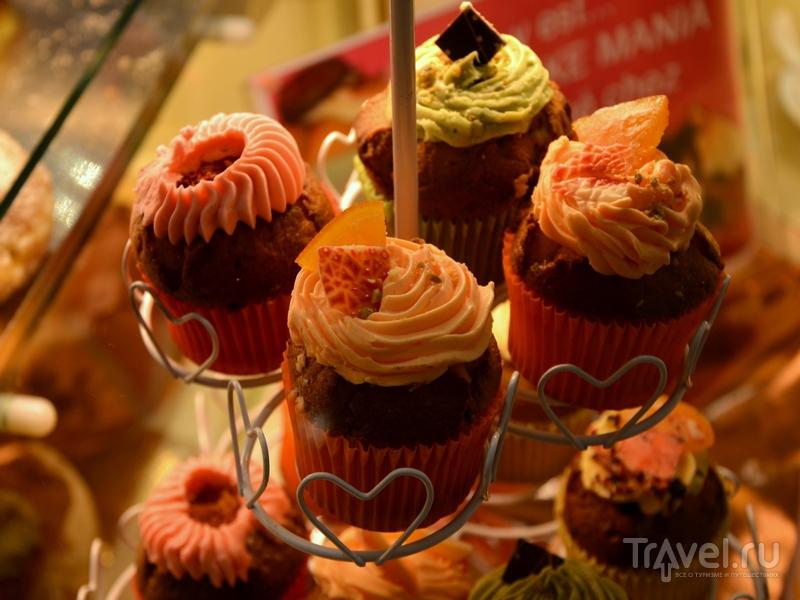 Десерты в одной из кондитерских Кран-Монтаны / Фото из Швейцарии