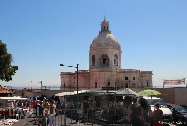 Feira da Ladra - блошиный рынок в Лиссабоне / Португалия