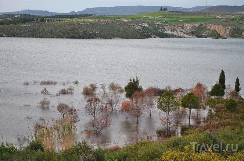 Водохранилище Аспрокреммос, Кипр / Фото с Кипра