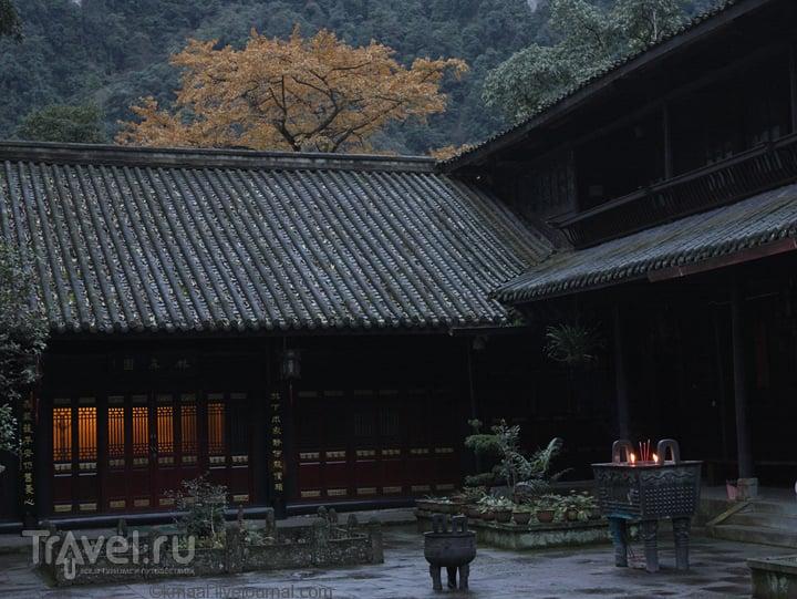 Эмейшань / Китай