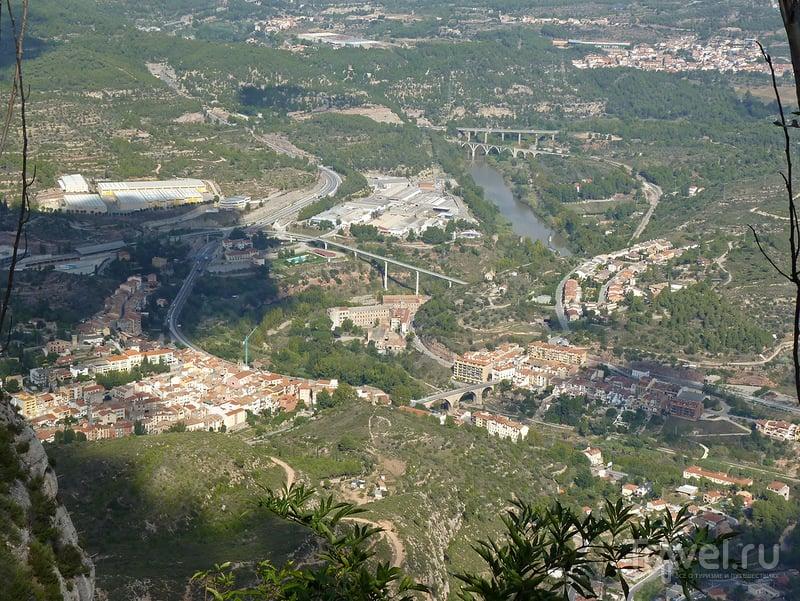 Город Монистроль-де-Монтсеррат, Испания / Фото из Испании