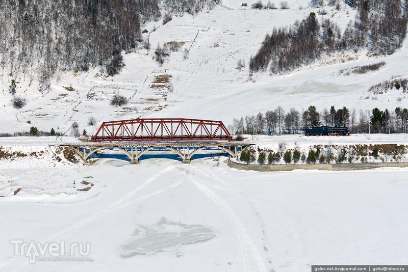 Железнодорожный мост через реку Половинную на Байкале, Россия / Фото из России