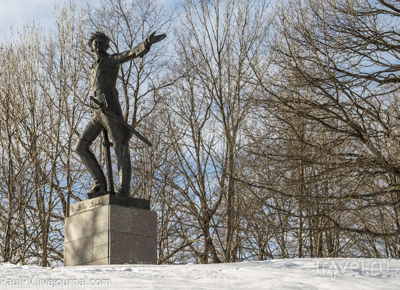 Памятник Петру Первому на Плещеевом озере, Россия / Фото из России