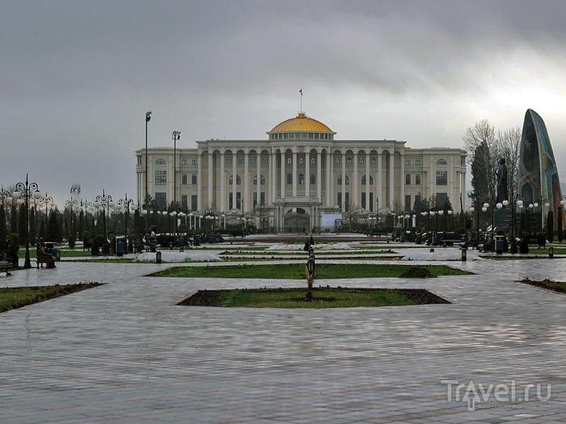 Дворец Эмомали Рахмона в Душанбе / Фото из Таджикистана