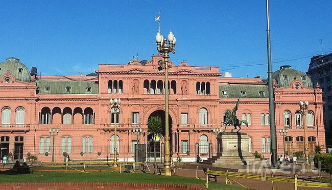 Дом правительства (Розовый дом) в Буэнос-Айресе, Аргентина / Фото из Аргентины