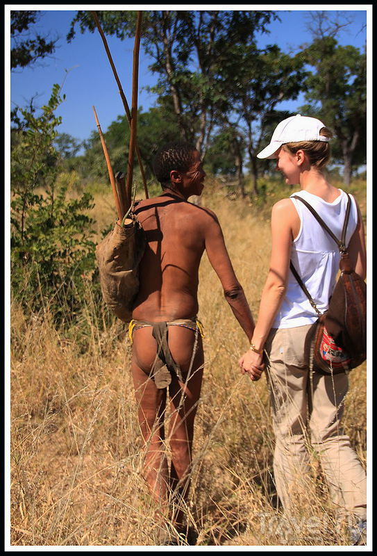 Охота с племенем сан в пустыне Калахари / Фото из Намибии