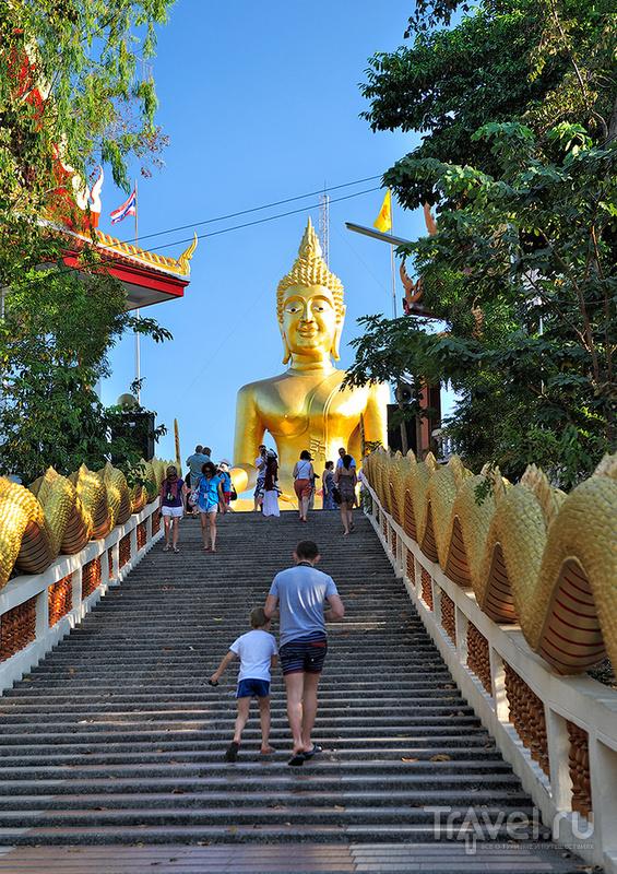Статуя Большого Будды на холме Пратумнак в Паттайе, Таиланд / Фото из Таиланда