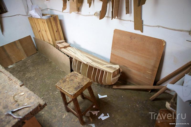 Мастерская по производству моделей кораблей из ценных пород дерева / Мадагаскар