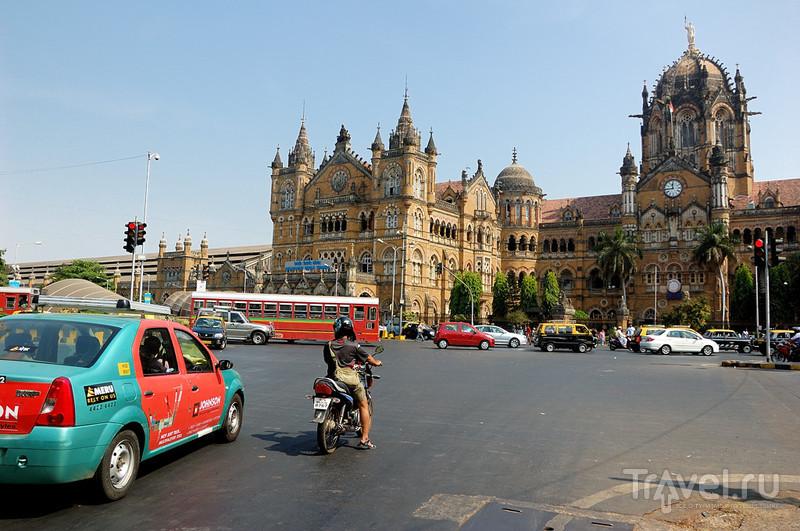 Вокзал Чатрапати Шиваджи в Мумбаи, Индия / Фото из Индии