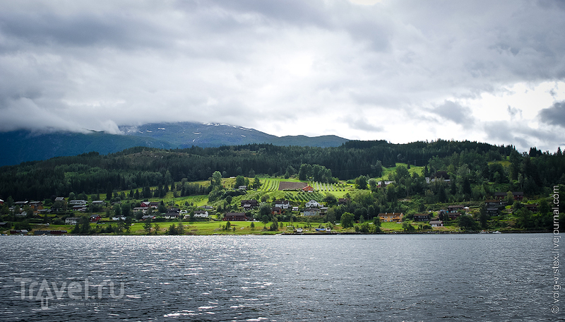 Ульвик - на берегу фьорда / Фото из Норвегии