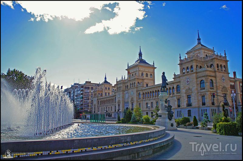 Plaza de Zorilla в Вальядолиде, Испания / Фото из Испании