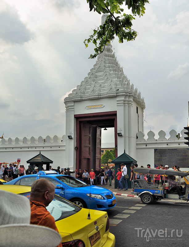 Храм Изумрудного Будды (Wat Phra Kaeo) в Бангкоке, Таиланд / Фото из Таиланда
