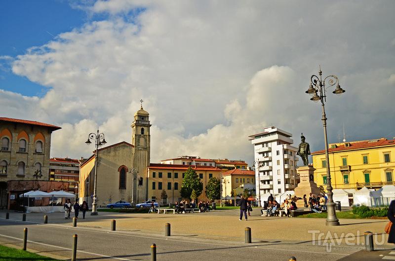 Площадь Vittorio Emanuele II в Пизе, Италия / Фото из Италии
