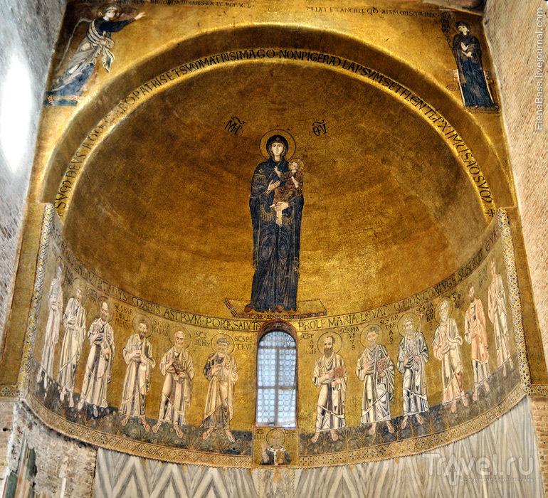 Базилика Санта-Мария Ассунта на острове Торчелло, Италия / Фото из Италии