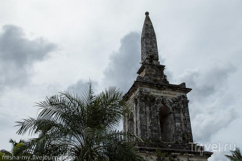Памятник Магеллану на острове Себу, Филиппины / Фото с Филиппин