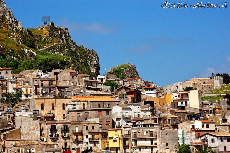 Кальтабеллотта - город мира / Фото из Италии
