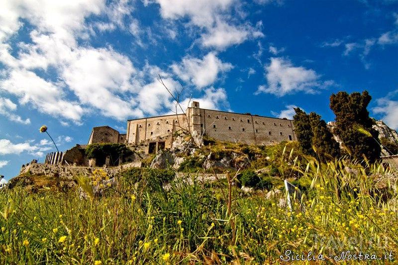 Скит Святого Пеллегрино в Кальтабеллотте, Италия / Фото из Италии
