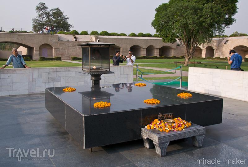 Мемориал Радж-Гхат в Дели, Индия / Фото из Индии