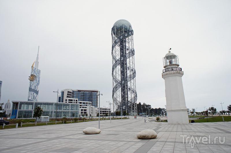 "Башня ""Алфавит"" в Батуми, Грузия / Фото из Грузии"