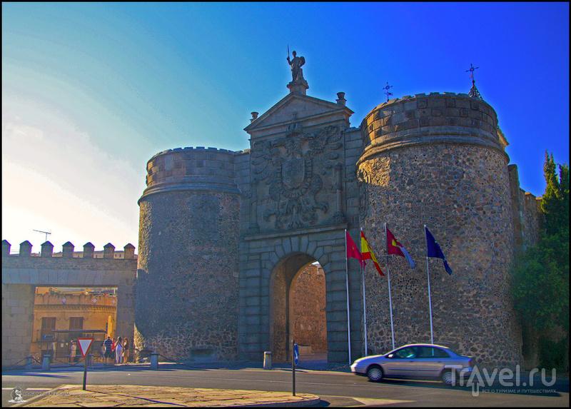 Ворота Бисарга в Толедо, Испания / Фото из Испании