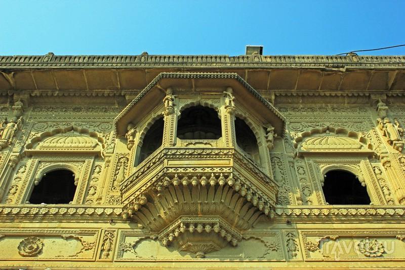 В городе Махешвар, Индия / Фото из Индии