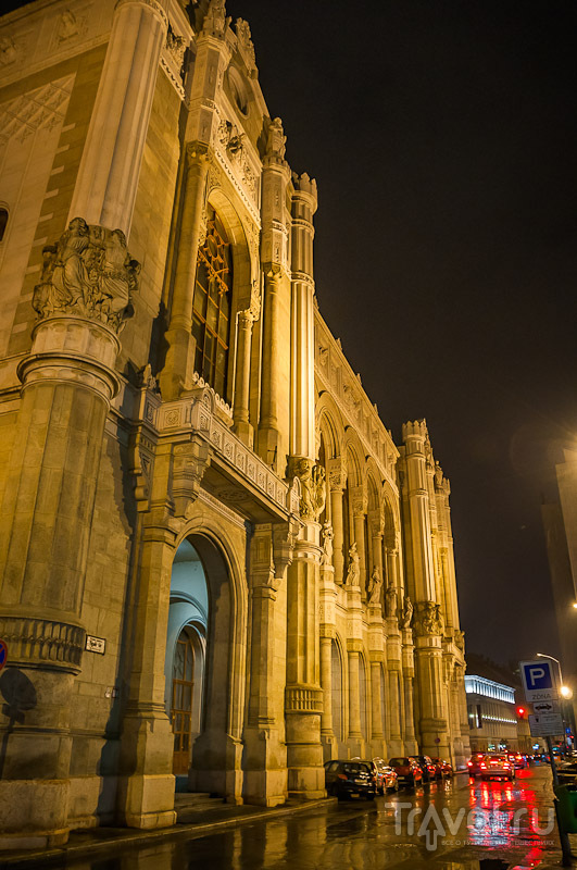 Здание концертного зала Вигадо в Будапеште, Венгрия / Фото из Венгрии