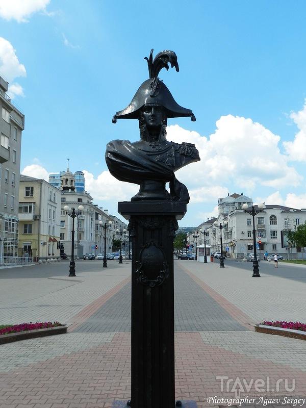 Бюст основателя Новороссийска адмирала Лазарева Михаила Петровича в Новороссийске, Россия / Фото из России