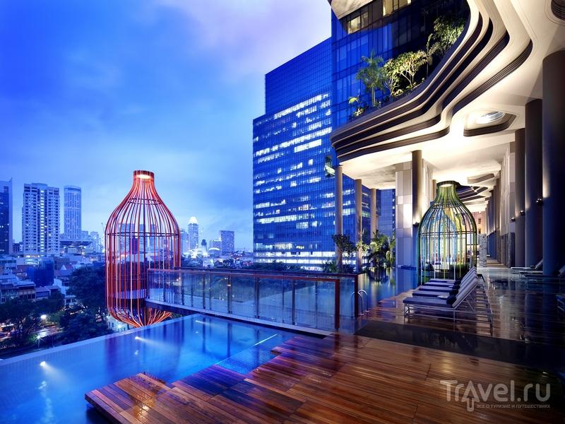Parkroyal on Pickering - один из первых отелей Сингапура, использующих солнечную энергию / Сингапур