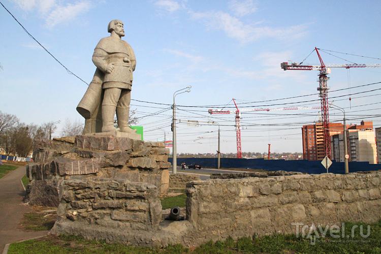 Памятник Емельяну Пугачеву в Саранске, Россия / Фото из России