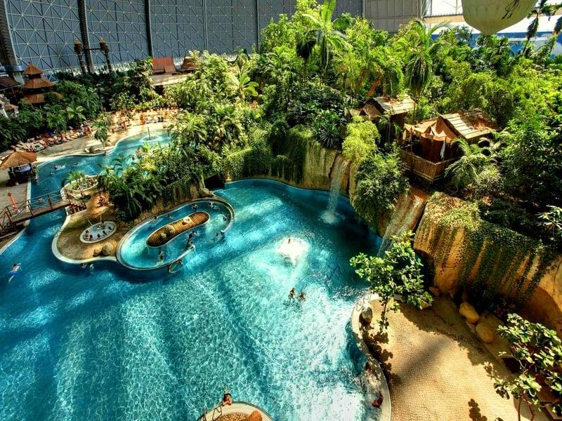 """Один из бассейнов """"Тропического острова"""" в Германии / Германия"""
