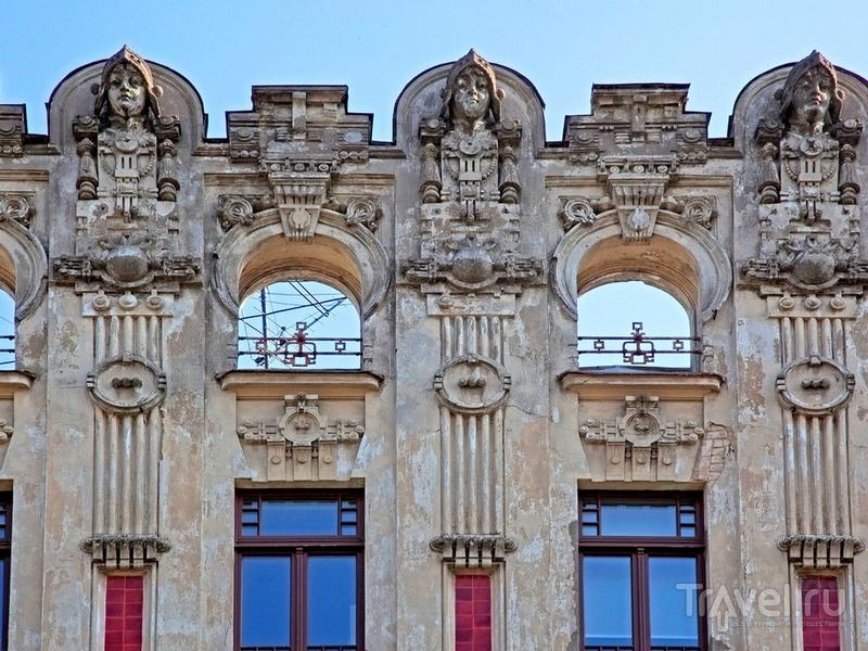 Рижский югендстиль смешивается в невероятную какофонию образов, Латвия / Латвия