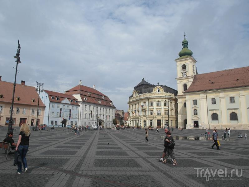 Площадь Piata Mare в Сибиу, Румыния / Фото из Румынии