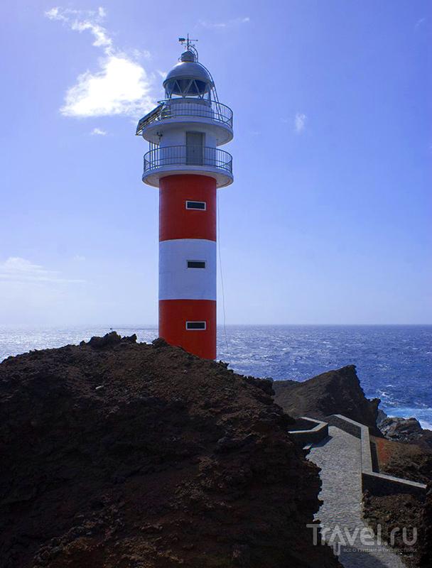 Маяк на мысе Тено, остров Тенерифе, Испания / Фото из Испании
