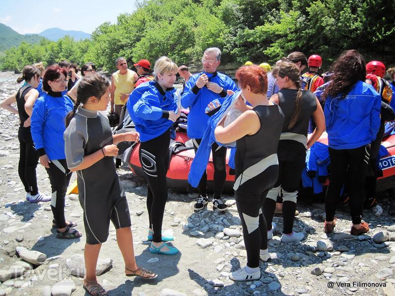 Первая русская команда на рафтинге в каньоне реки Осуми рядом с Бератом! / Албания