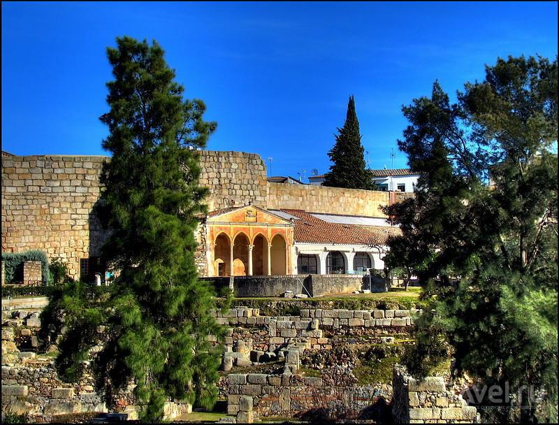Алькасаба в Мериде, Испания / Фото из Испании