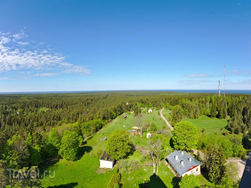 Панорамные пейзажи острова Хийумаа, открывающиеся со смотровой площадки маяка Кыпу, Эстония / Эстония