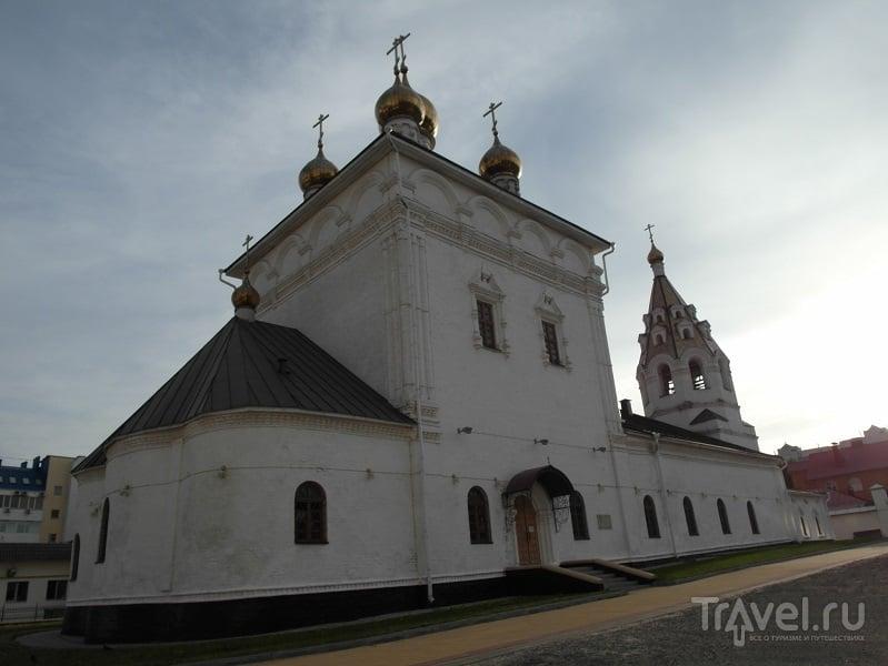 Успенско-Николаевский собор в Белгороде, Россия / Фото из России