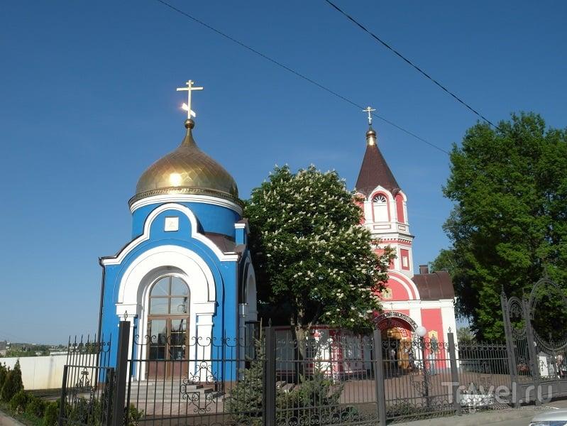 Крестовоздвиженская церковь в Белгороде, Россия / Фото из России