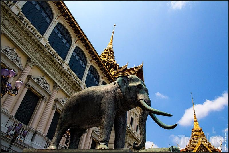 Игра престолов по-тайски / Фото из Таиланда
